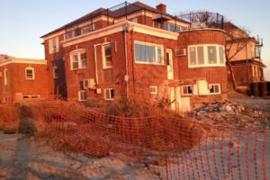 At some shorefront Sea Gate homes, reconstruction is far from done. - Brooklyn Archive