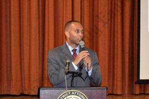 U.S. Representative Hakeem Jeffries spoke at Ken Thompson's town hall meeting in Coney Island. - Brooklyn Archive