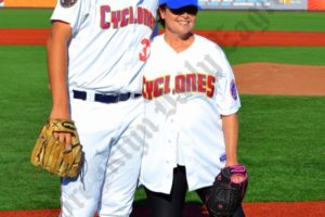 Brooklyn Cyclones pitcher Brad Wieck and Rosalind Allen, the actress that played George's girlfriend in The Marine Biologist episode. - Brooklyn Archive