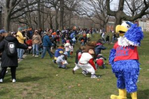 Easter Egg Hunt at McKinley Park 2007 - Brooklyn Archive